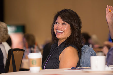 Motivational Speaker Linda Larsen Make an Audience Member Laugh