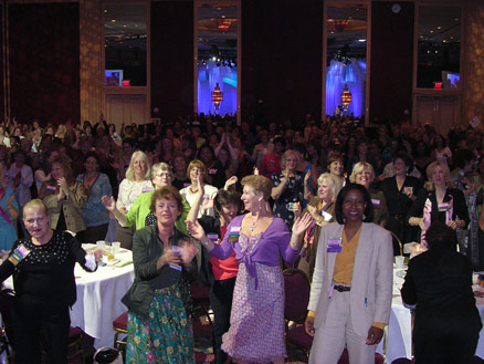 Motivational Speaker Linda Larsen Women Association Audience